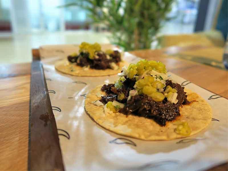 Mawey Taco Bar Tacos campechanos de rubia gallega