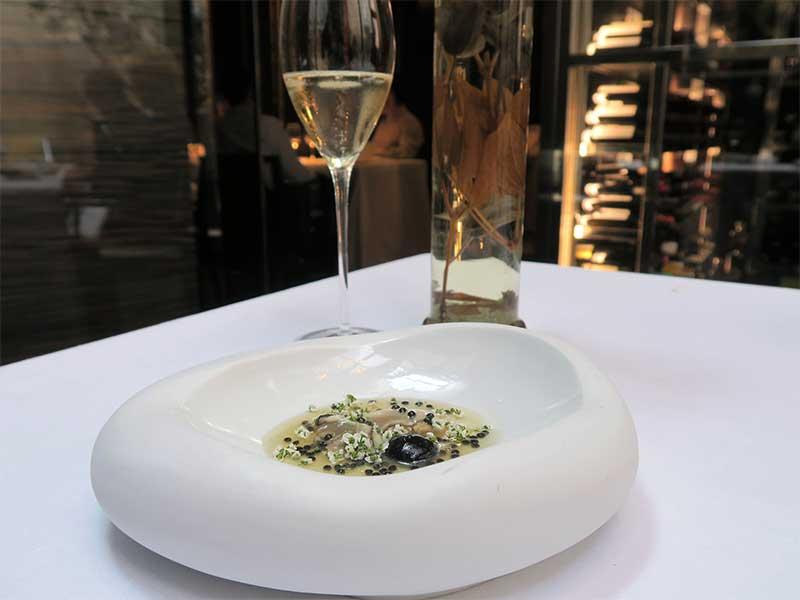 Restaurante CEBO Menu SOMOS Ostras con caviar