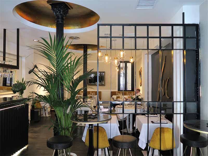 Kuc Place to Be restaurante