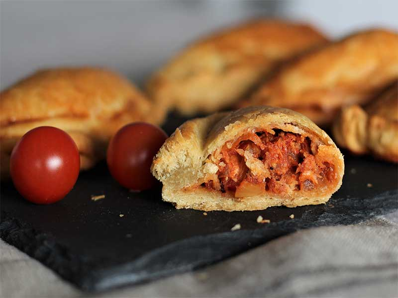Empanadas argentinas de atun y tomate