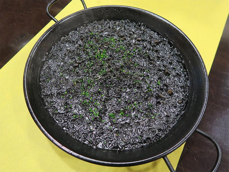 Restaurante Bocarte Pontevedra Arroz de chocos en su tinta