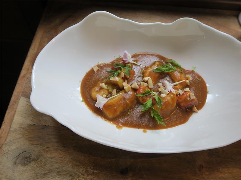 Restaurante Muna Ponferrada Leon Cangrejo de rio curry y gnochi