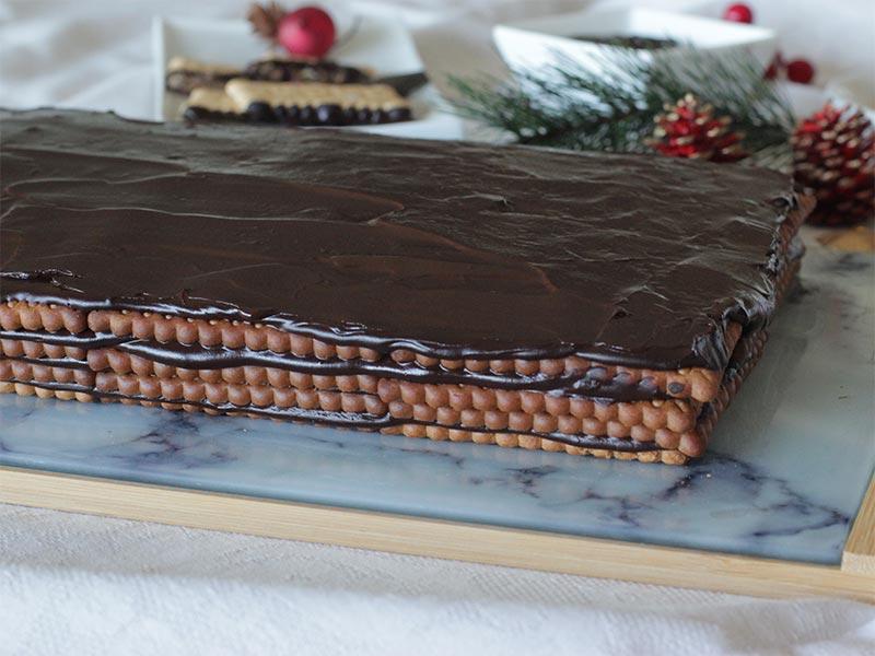 Tarta de galletas de chocolate para navidad