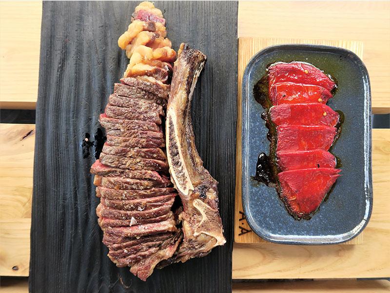 Arima Basque Gastronomy Txuleta de vaca con pimientos del Piquillo