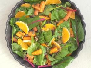sensommersalat med appelsin og bladbeder