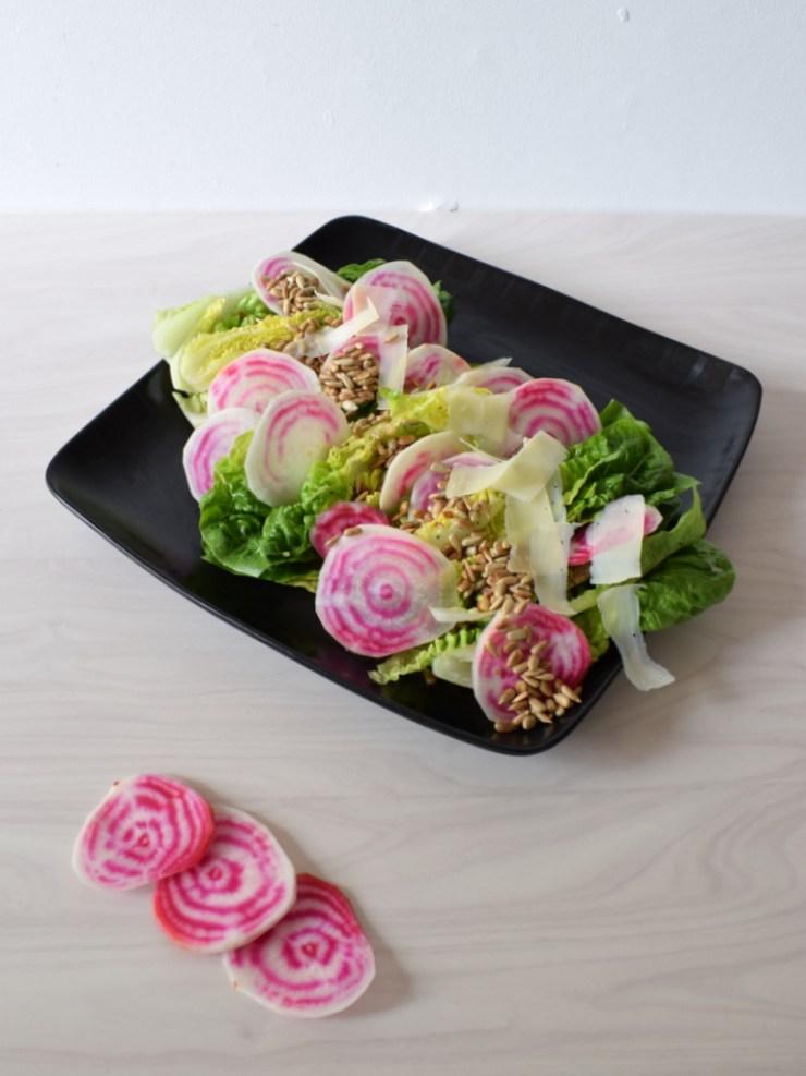 Salat med rå bolchebede og hjertesalat