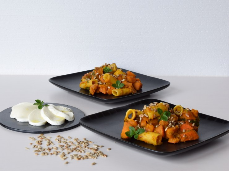 pasta med chunky græskarsovs