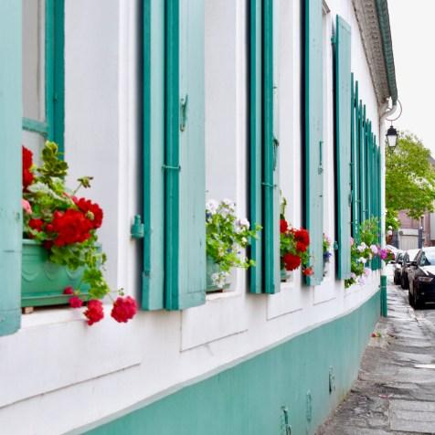 Montreuil GastroGays pas de calais shutters window house street