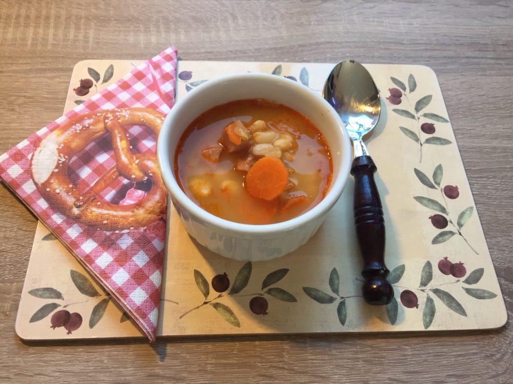 Fehérbab leves saját összetevőivel sűrítve