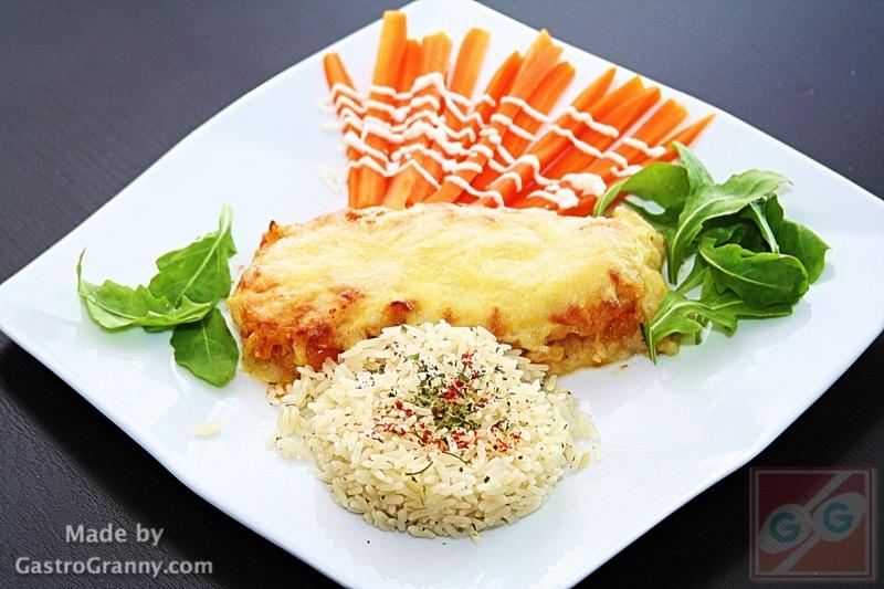 Lecsós tilápia szelet gyömbéres joghurt mártással, karottával, rizzsel