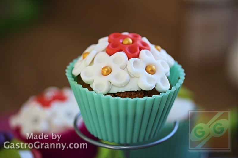 Apró kezek a konyhában 1. rész: A fondantos cupcake recept, videó recept, módszertani segédlettel