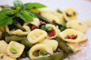Zöldségragu articsóka levél tésztával