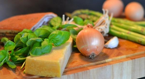 Remake af en klassiker: Carbonara med pocheret æg