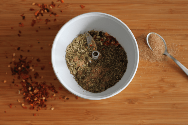 Du mixer selv dine krydderier og har du en grinder, så går det let som en leg..
