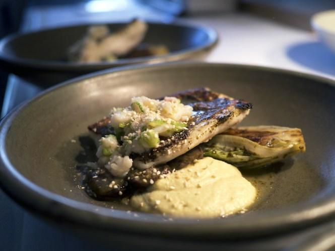 Der var mange komponenter og smage i denne ret med sanktpetersfisk, som smagte rigtig godt, om end et lidt mere simpelt udtryk havde gjort retten mere overskuelig.