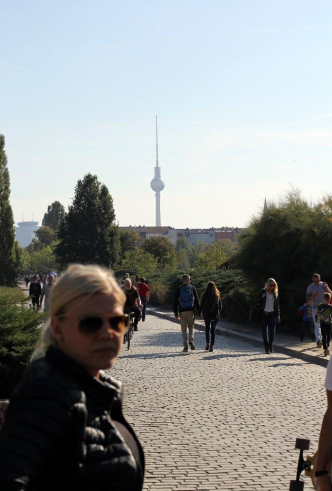 Endnu et billede af TV-tårnet fra parken hvor vi gik tilbage fra The Bird...