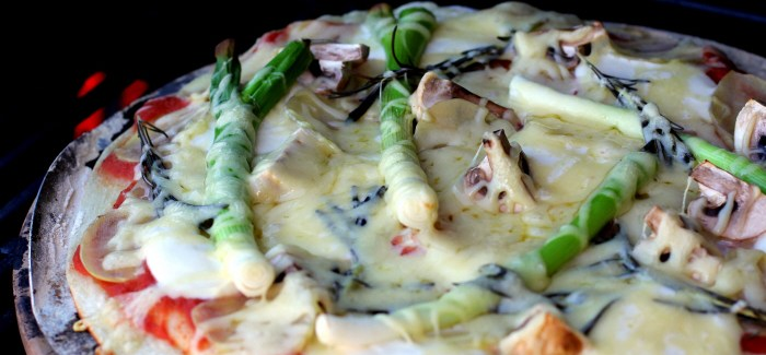 Sommermad og Rosé: Kartoffelpizza – rosmarin, mozzarella og emmentaler