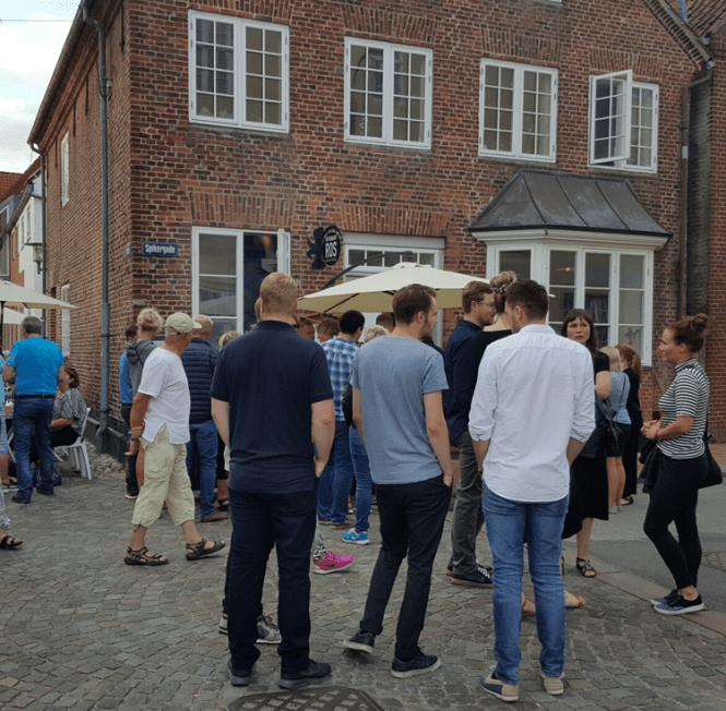 Restaurant Ros er rykket ind i et af Spikergades smukke gamle huse...