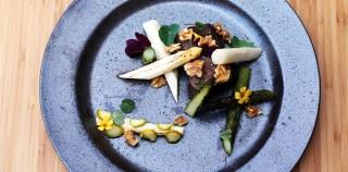Aspargesene kommer: Seks fantastiske opskrifter med hvide og grønne asparges