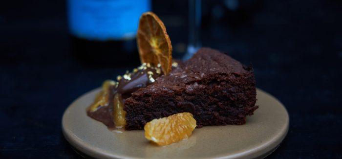 Chokolademazarintærte med citrus og kakaosorbet