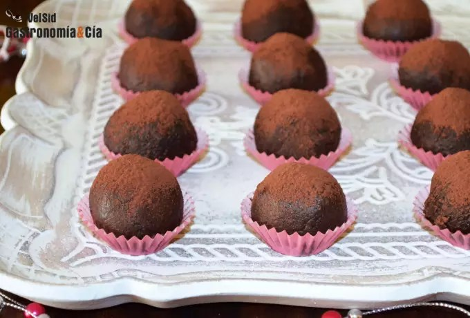 Trufas de chocolate, avellanas y shiitake, un regalo pa