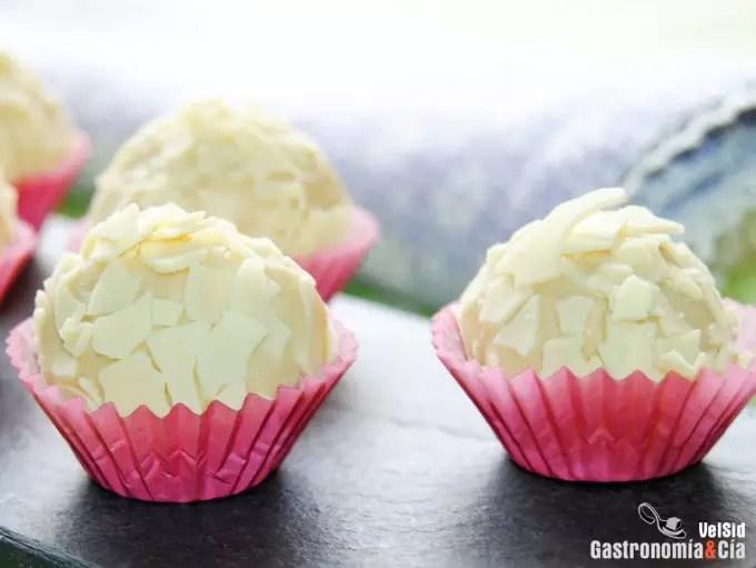 Trufas de chocolate blanco y macadamia