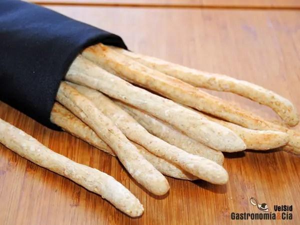 Bastones de pan con salvado y ssamo  Gastronoma  Ca