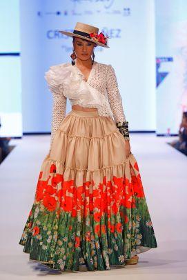 El diseñador Cristo Bañez inaugura Doñana D'Flamenca 2019. Fotos: Chema Soler - Gastronomía y Moda