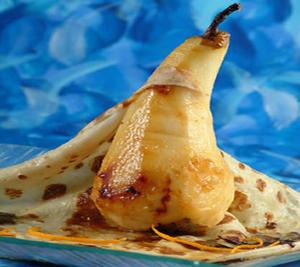 Desert: clatite cu pere caramelizate - prezentare