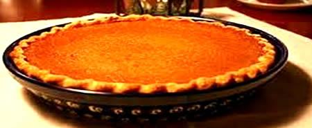 tarta cu dovleac, preparaul final dupa ce a fost scoasa prajitura din cuptor