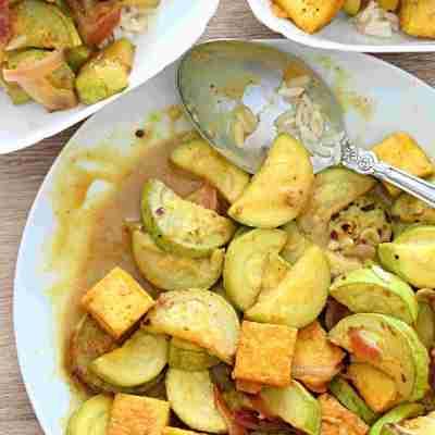 Tofu cu legume in sos de curry si lapte de cocos