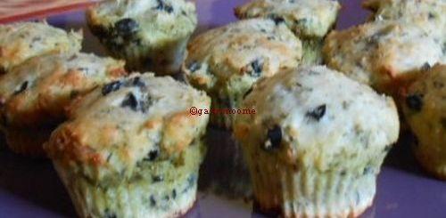 Muffins au parmesan fourrés au pesto