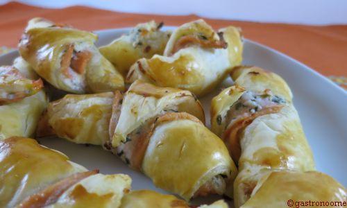 Petits croissants au saumon