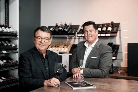 Wein & Pro Werner Greigeritsch, Leitung Vertrieb B2B (r.) und Willi Klinger, Geschäftsführer Wein & Co.