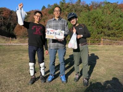 ファンクラス・ナイス賞 (左から2位・1位・3位)