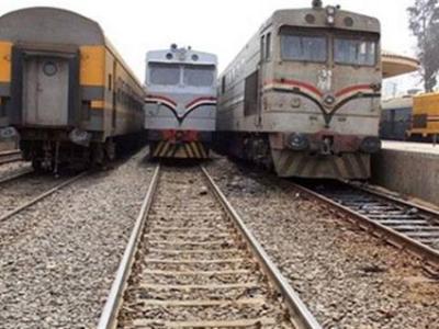 توقف حركة القطارات في المنوفية عقب خروج قطار عن القضبان بمحطة شبين الكوم