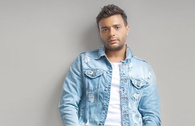 رامي صبري عمرو دياب كبير جيلنا كله وسعيد بحفلي في طابا