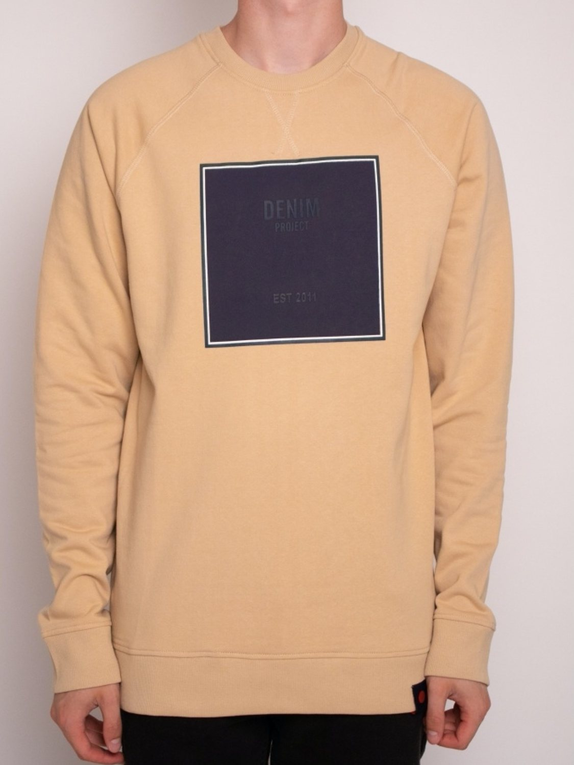 DENIM PROJECT - Sweatshirt Sand Logo | GATE 36 Hobro