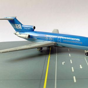 Braniff International B727-100 Flying-Colors 1:400 Scale Model (BLUE)