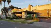 Holiday Inn Suites Anaheim Disneyland