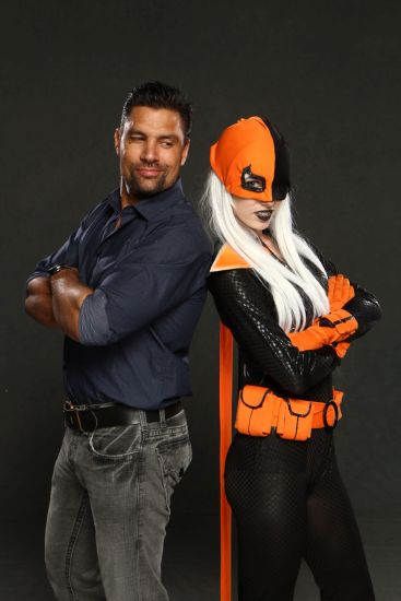 """Manu Bennett from TV show """"Arrow"""" and Megan Coffey (cosplayer) as Deathstroke"""