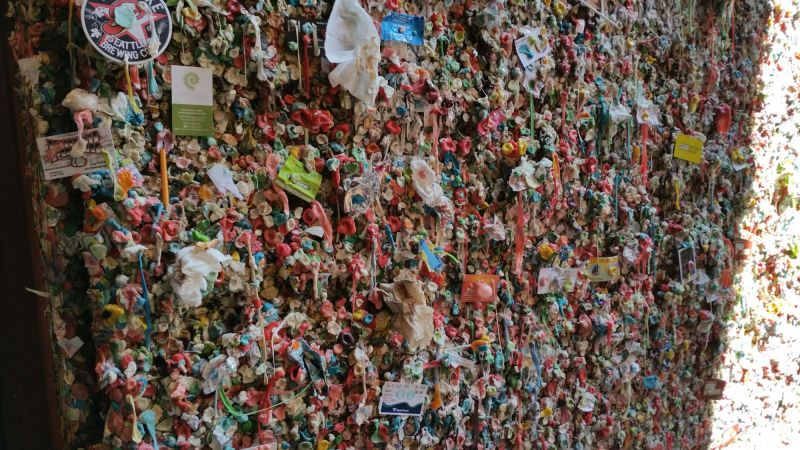 Gum Wall before cleaning