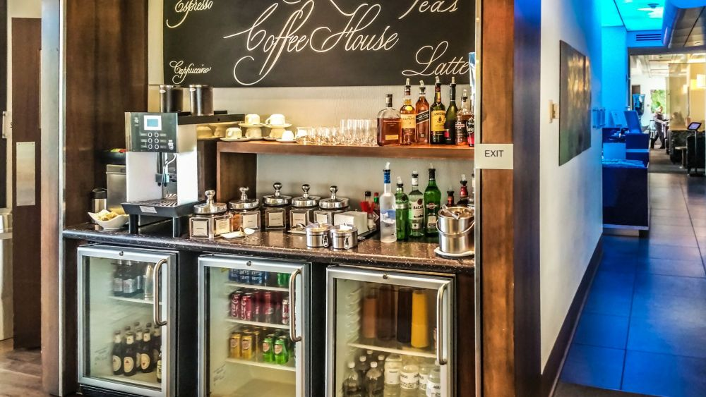 Coffee and Drinks Bar at the First Class Side