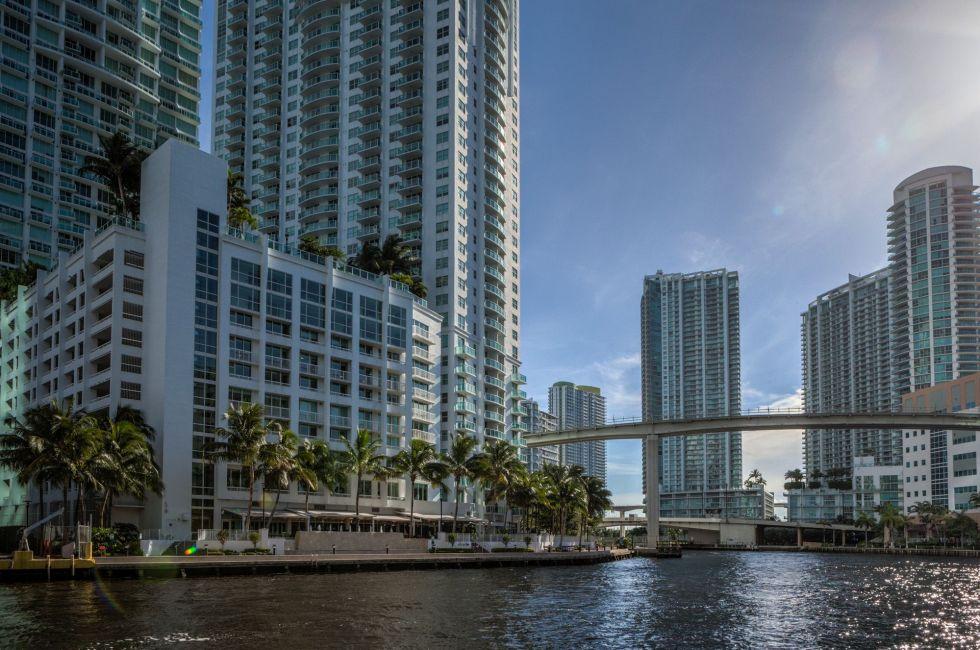 Miami River Trail behind the Hyatt