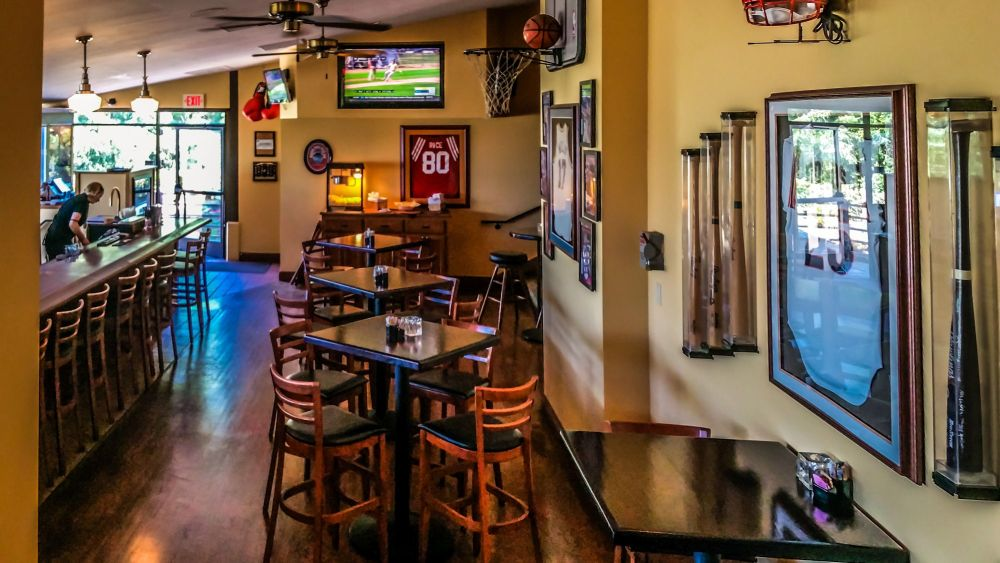 Rookie's Sports Bar