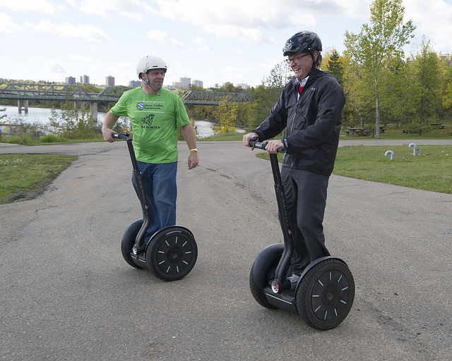 Minister Eggen tries out the Segway
