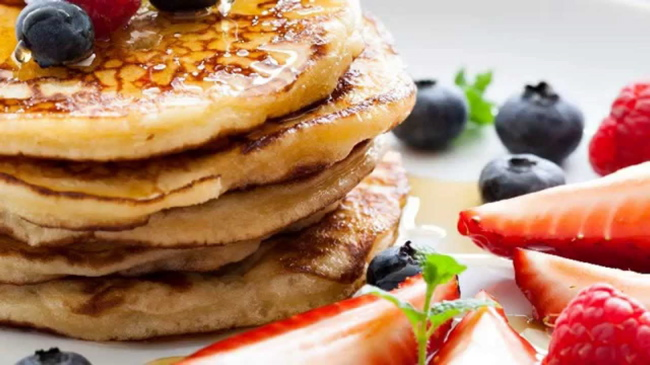 In England and the UK, pancakes are overwhelmingly popular on Fat Tuesday. Photo courtesy of YouTube Easy Dessert Recipes
