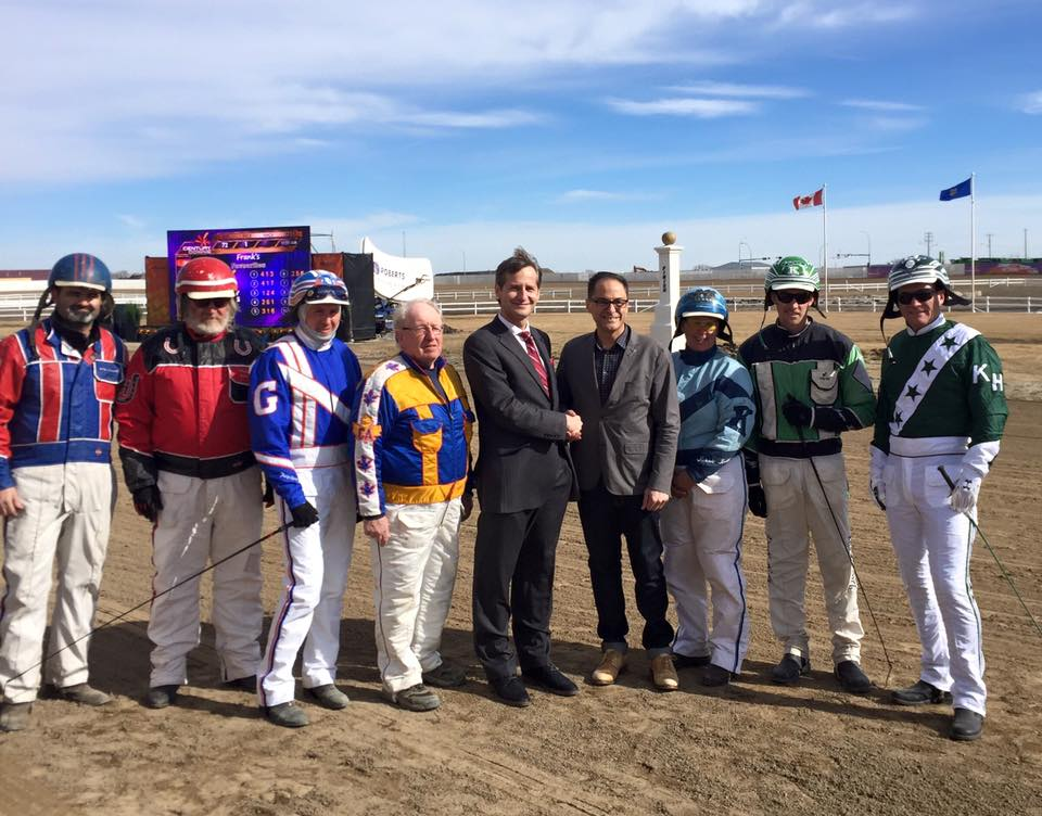 Drivers from Alberta Standardbred Horse Association, Andreas Terler (VP Operations and Managing Director Century Casinos Europe), Joe Ceci (President of Treasury Board, Minister of Finance)