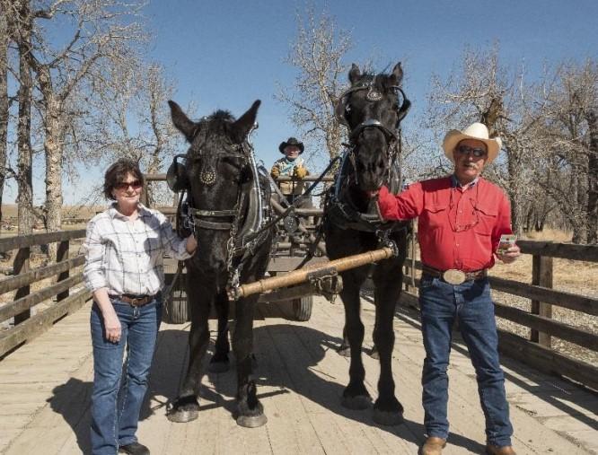 (left to right): Lois Barbaro, Terra, Ross Fritz, Poca and Jim Barbaro. ©Parks Canada