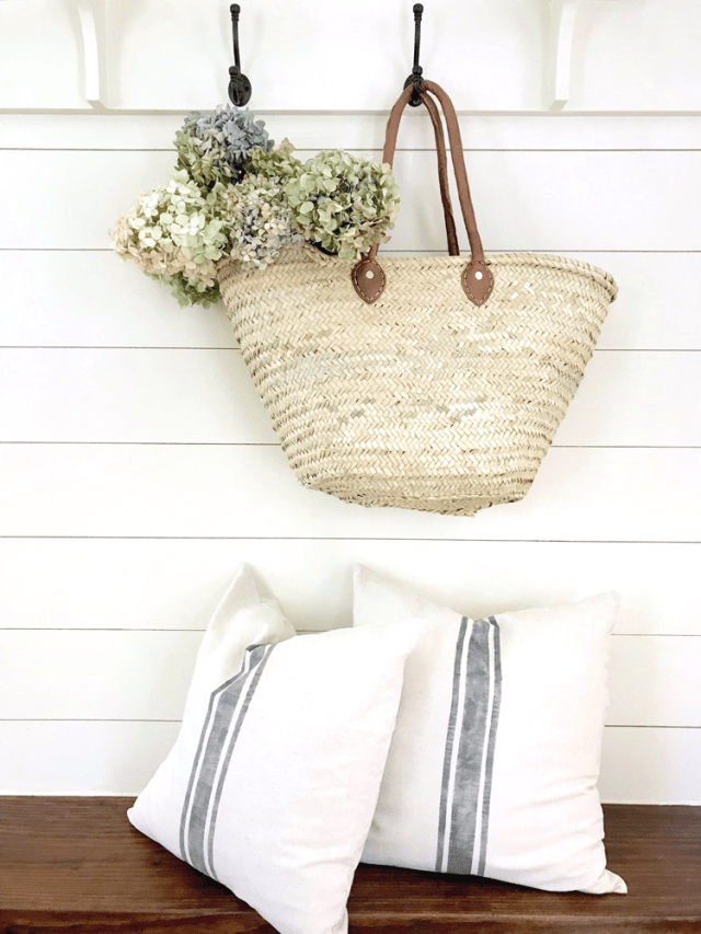 Easy DIY No Sew Grain Sack Pillow Cover for under $5!! The easiest way to make grain sack pillows!
